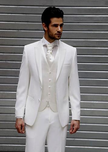 Costume de mariage homme blanc