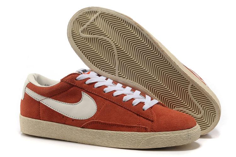 Nike blazer low vintage white