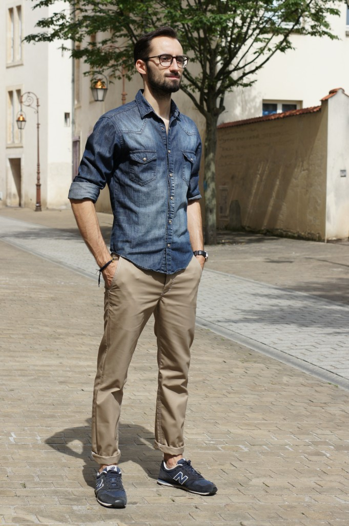 Tenue chino beige blazer bleu - fermeleycaut.