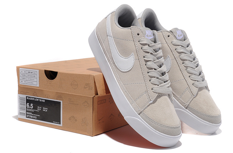 Nike blazer low femme beige